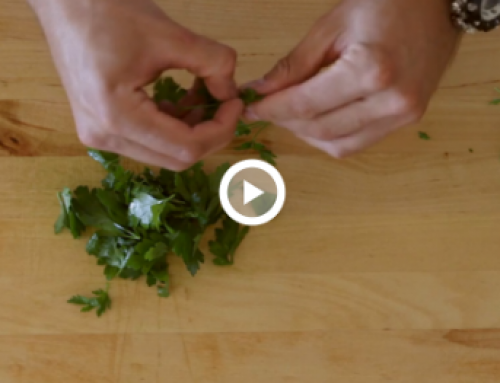 Cooking 101 – How to Garnish with Parsley